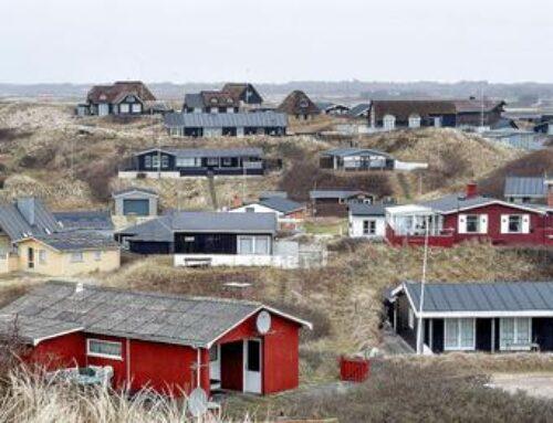 Store sommerhuse underminerer små: – Sommerhusmiljøet bliver ødelagt